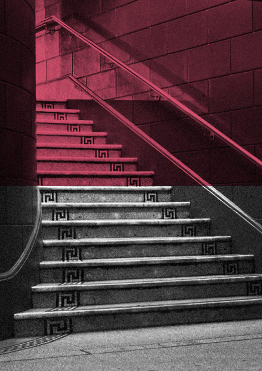 scala-stairsfoyer-bw-red