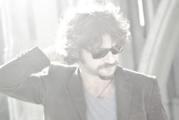 Quique González (Live) & Mega Spanish Party